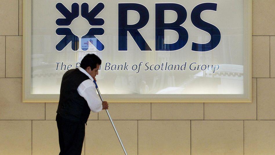 Klarschiff machen: Bislang kommt die RBS damit nicht so recht voran. Aber auch andere Banken tun sich schwer.