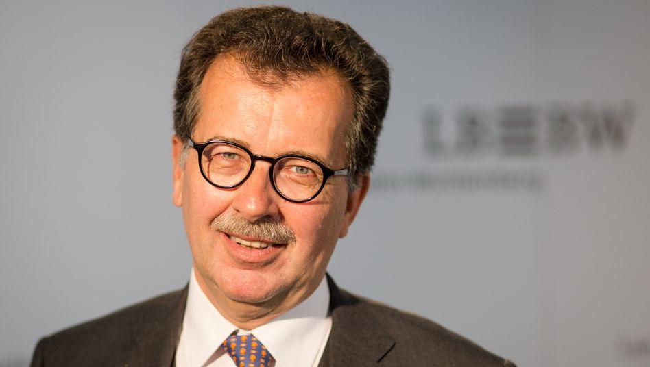 Eher mittel als extra-large: Coba-Aufsichtsratschef Vetter will den Vorstand verkleinern