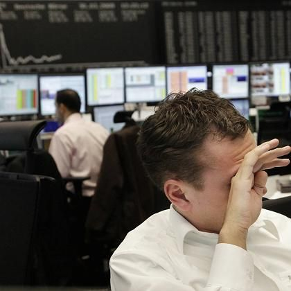Nicht hinsehen: Die Aktienkurse bröckeln - und die Riester-Sparer gucken in die Röhre