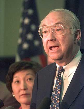 Wechselt auf dubiose Weise von der Politik in die Wirtschaft: Senator Phil Gramm