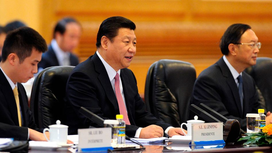 "Chinas Staatschef Xi Jinping (Mitte): ""Tiefe Freundschaft"" zu Putin"