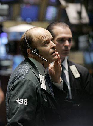 Sorgen an der Wall Street: Die Krise am US-Immobilien- und Hypothekenmarkt wirbelt die Aktienkurse an den Börsen weltweit kräftig durcheinander. Der Handel wird vor allem deutlich schwankungsanfälliger