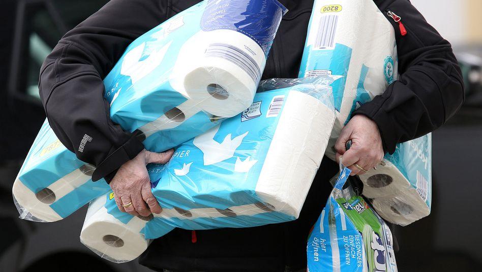 """Toilettenpapier-Hamsterkäufe: """"Produktion muss nur umgeleitet werden"""""""