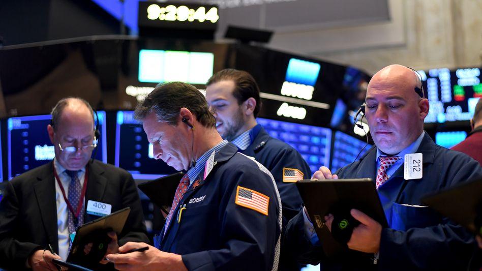 Börsen im Vorwärtsgang: Der Dow Jones Industrial nimmt die Marke von 30.000 Punkten in den Blick. Sogar der Dax ist nicht mehr weit von seinem Rekordhoch entfernt