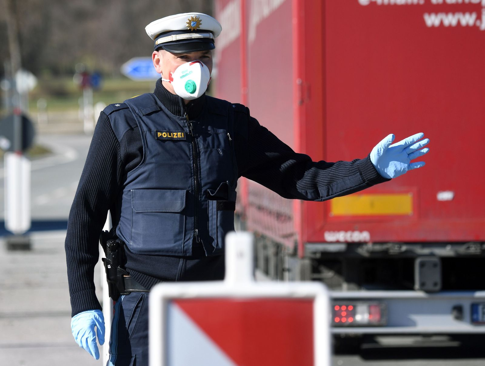GERMANY-HEALTH-VIRUS-EPIDEMIC-POLICE