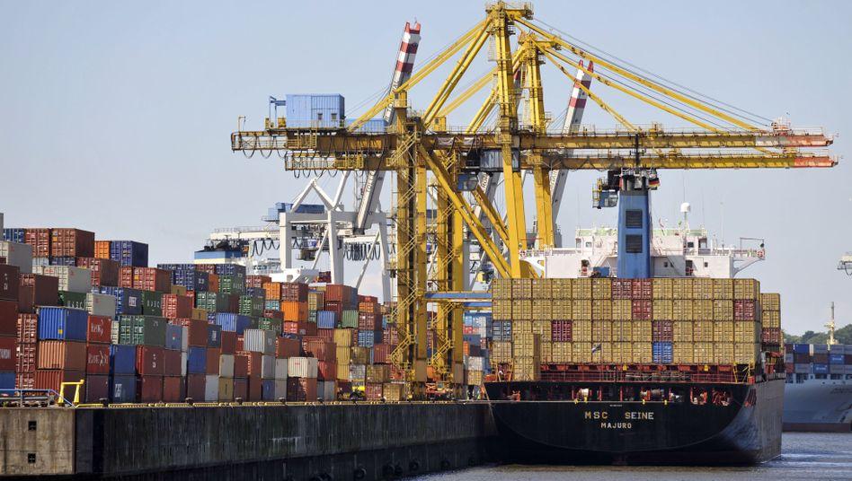 Frachtcontainer im Hamburger Hafen: Ausfuhren und Einfuhren aus den ehemaligen Schwellenländern stärken deutschen Außenhandel
