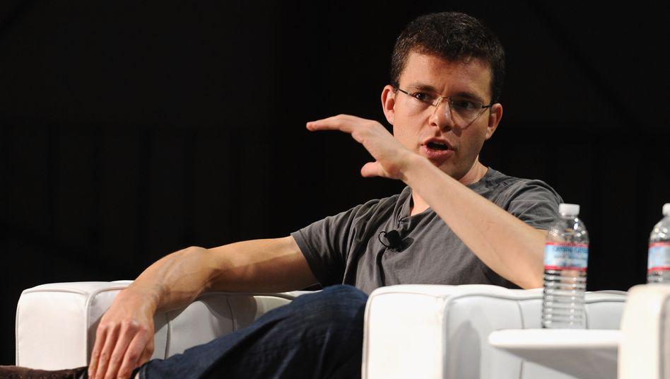 """Paypal-Gründer Max Levchin: """"Ich bin mit drei Gründungen gescheitert, das vierte überlebte, das fünfte war Paypal"""". Wenn Konzerne innovativer werden wollen, reicht es nicht, nur auf die Startup-Stars zu schauen. Große Unternehmen brauchen fünf Strategien, um """"Intrapreneure"""" zu werden"""