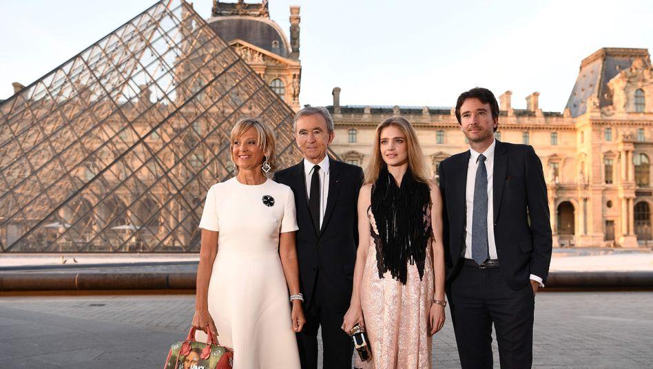 LVMH-Chef Bernard Arnault (2. v.l.) mit Familie: 39 Milliarden Dollar Vermögenszuwachs in diesem Jahr