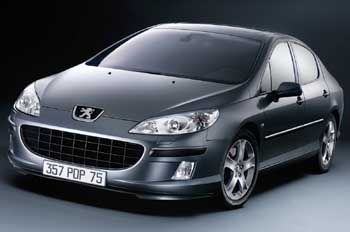 Soll mit großem Grill viele Kunden einsammeln: Die neue Mittelklasse-Limousine Peugeot 407