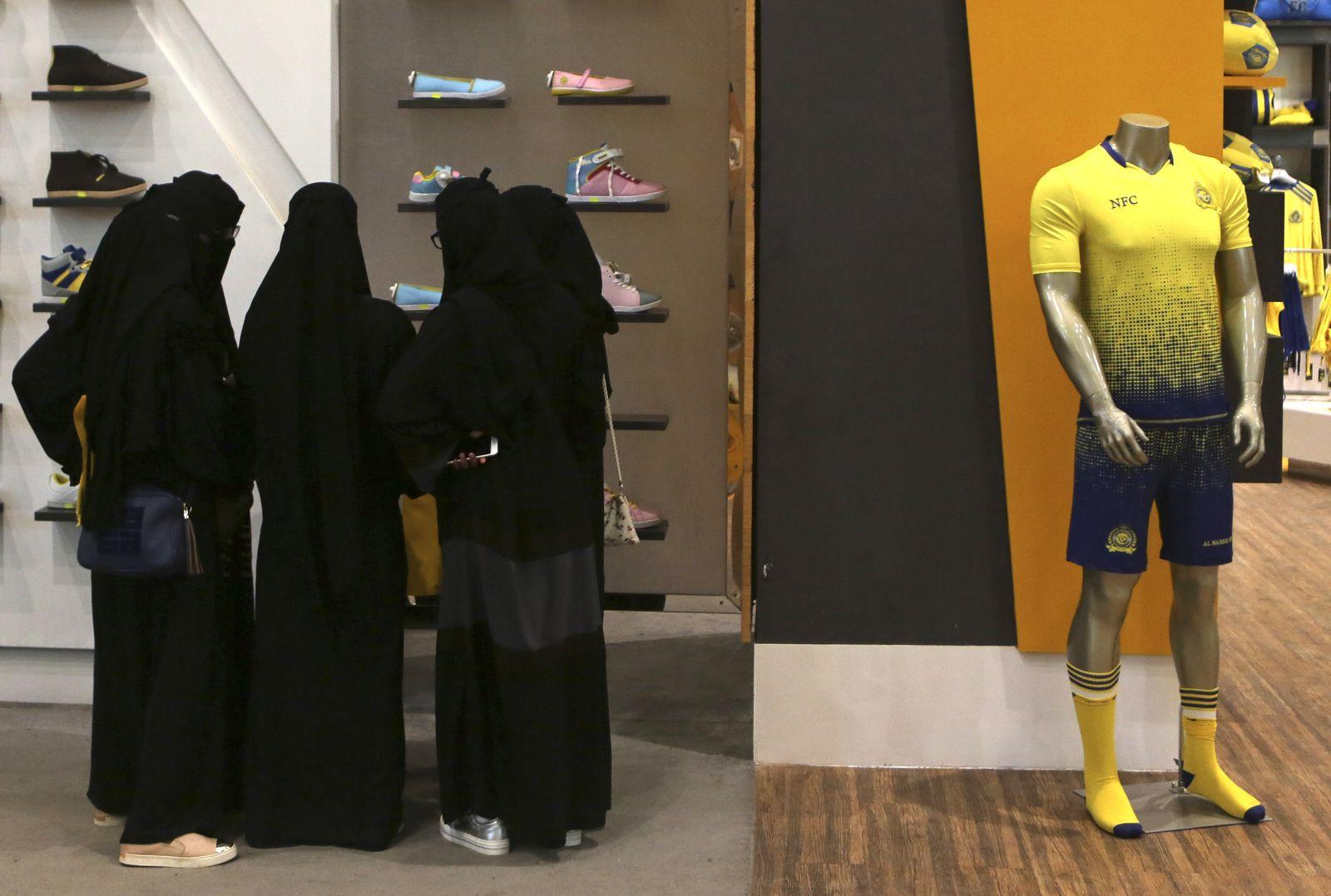 Saudi-Arabien, Riad, Frauen, Schleier