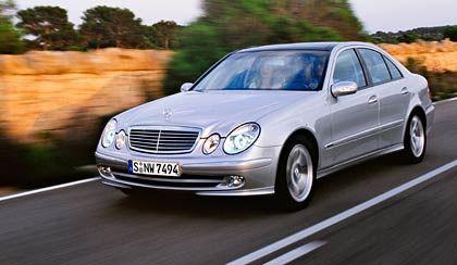 Mercedes E-Klasse: Eine ganze Serie von Rückrufen, unter anderem wegen der Bremsen, ramponierte kurz nach Markteinführung den Ruf des Herstellers