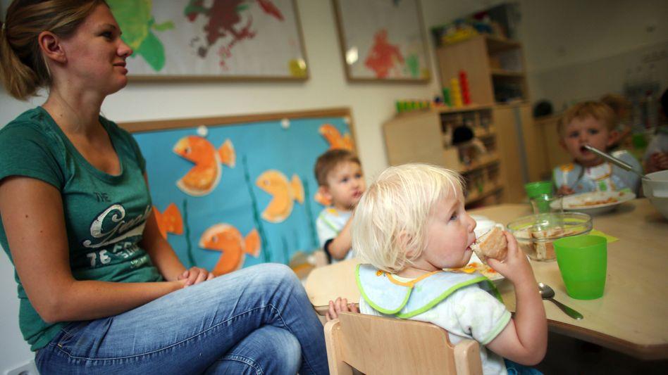 Städtische Kindertagesstätte: Forscher forden Stopp des Betreuungsgeldes