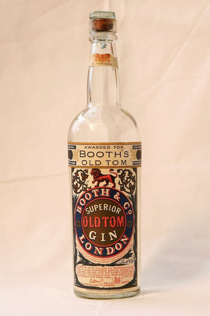 Historischer Gin: Der Booth & Co Superior Old Tom Gin, wie er zwischen 1925 und 1935 abgefüllt würde - zu verkosten in der Berliner Triobar, deren Inhaber auf historische Spirituosen spezialisiert ist