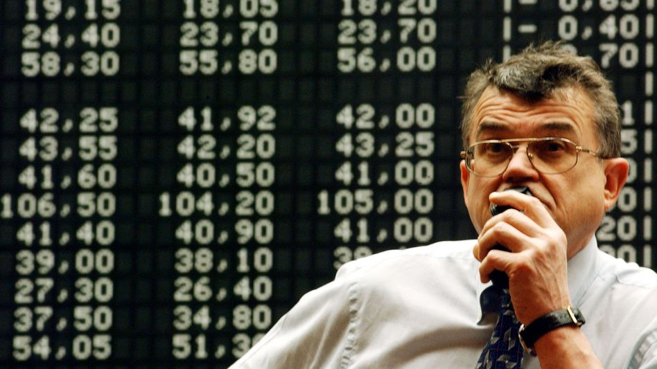 Verluste am Feiertag: Händler in Frankfurt nahmen am Donnerstag mit Skepsis den sich fortsetzenden Haushaltsstreit in den USA zur Kenntnis