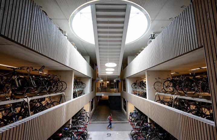 Radikal: Platz für 12.500 ökologisch vorbildliche Fortbewegungsmittel in Utrecht.