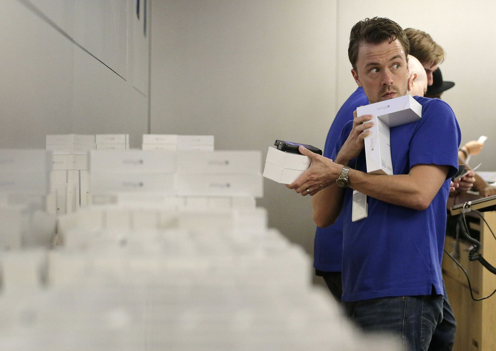 Apple Verkäufer Mitarbeiter iPhone