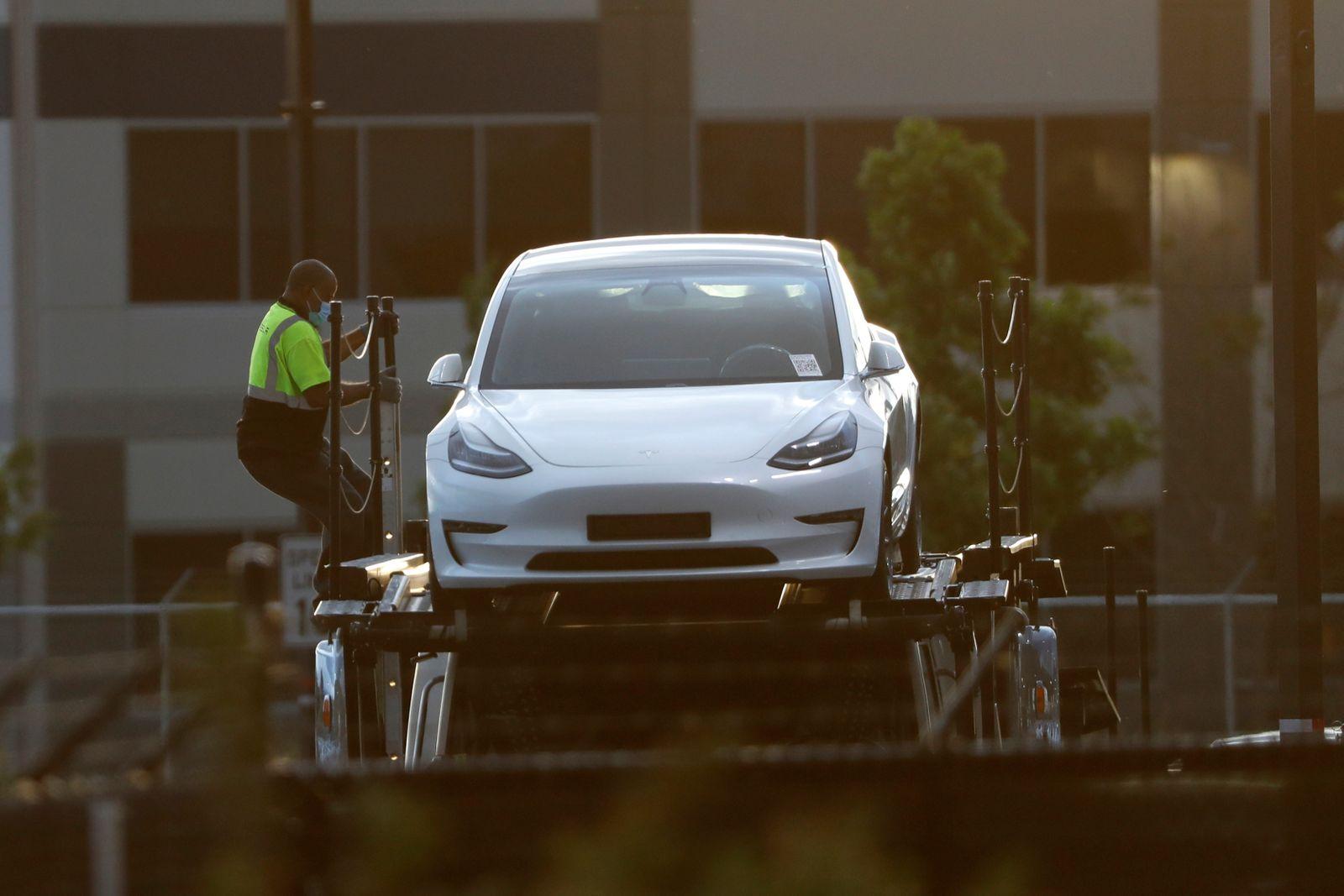 Tesla / Autotransporter