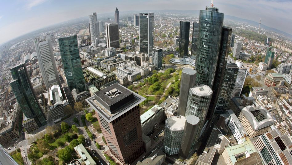 Bankenviertel in Frankfurt: Von einer rechtlichen und bilanziellen Trennung des Investmentbanking wäre vor allem die Deutsche Bank betroffen