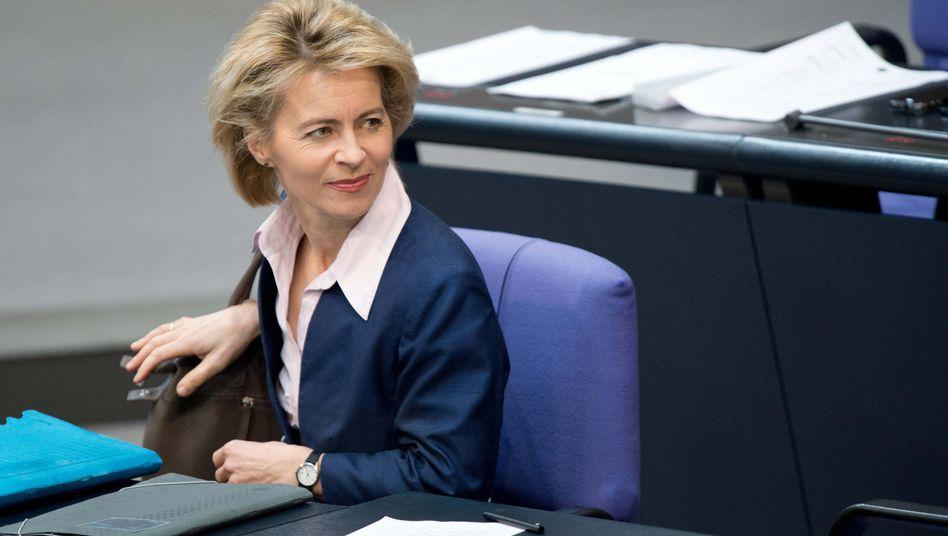Von der Leyen: Bislang Bundesministerin für Arbeit und Soziales wird nach übereinstimmenden Berichten erste Verteidigungsministerin in Deutschland