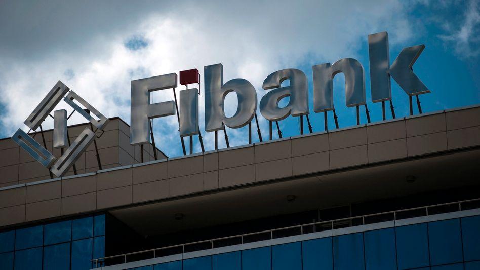 Fibank: Kunden hoben binnen Stunden Hunderte Millionen Euro ab