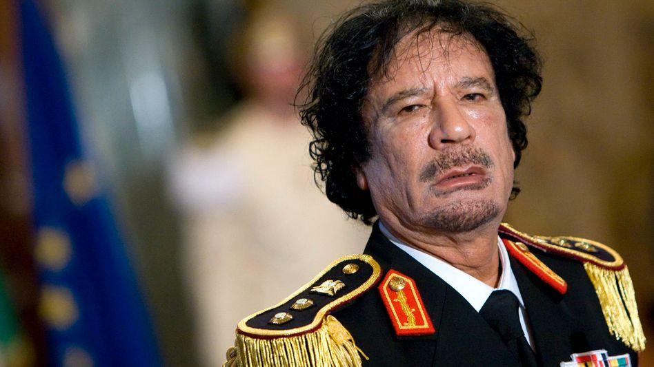 War bekannt für seine exzentrischen Auftritte: Muammar al-Gaddafi