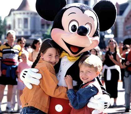 Mickey Mouse und Co: Mit einem Umsatz von 27,06 Milliarden Dollar in 2003 ist Walt Disney das zweitgrößte Medienunternehmen der Welt