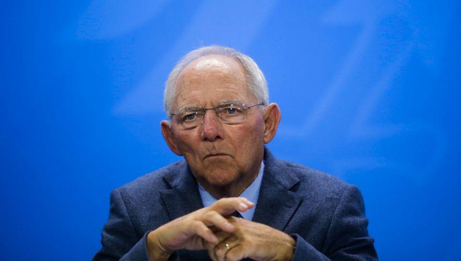 Optimistische Steuerschätzungen zur Freude von Bundesfinanzminister Wolfgang Schäuble. Doch sind die Schätzungen bereits jetzt überholt?