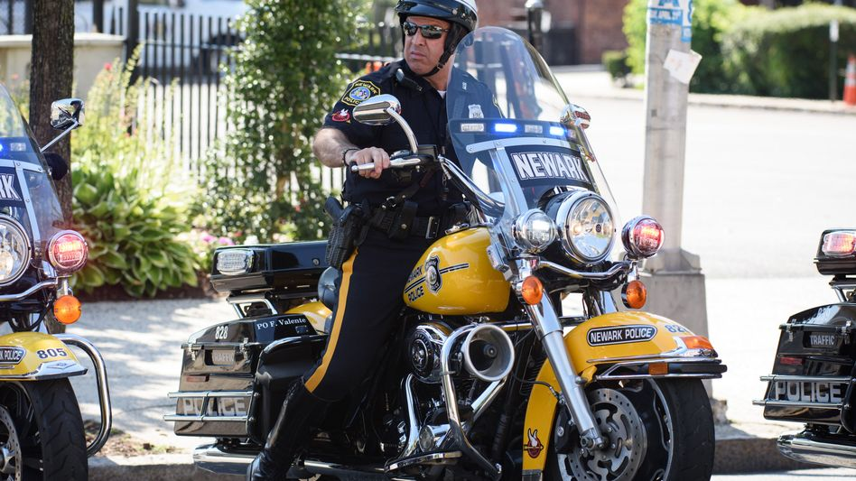 """US-Polizist: Auf ihrem Lehrplan dürfte künftig auch die Einheit """"Stoppen von Roboterautos"""" stehen"""