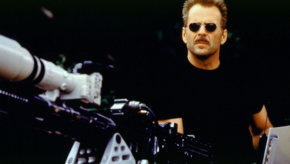 """Klare Sprache: Bruce Willis im Film """"Der Schakal"""". In Hollywood wird dieses Einzelgängertum geschätzt. In der Realität allerdings weniger"""