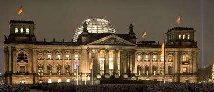Auf dem Weg der Besserung: Wirtschaftsforscher schrauben Vorhersage für deutsches Wirtschaftswachstum in 2010 in die Höhe