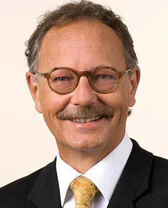 Paul Schmidt leitet an der Frankfurt School of Finance & Management das Centre for Financial Economics. Der VWL-Professor erwartet eine Zinserhöhung.