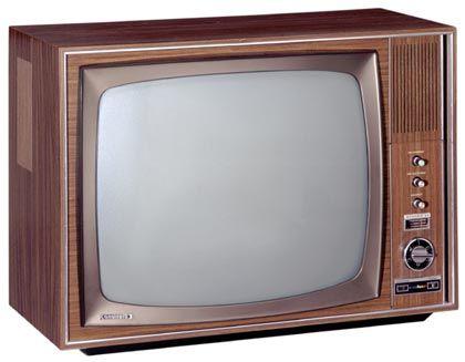 1967 startet des Farbfernsehen in Deutschland. Passend dazu präsentiert Grundig unter anderem den T 1000 Color.