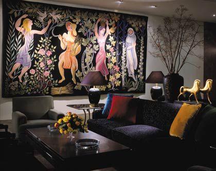 Wohnen wie im Museum: Werke angesehener Künstler zieren fast alle Wände des Ritz