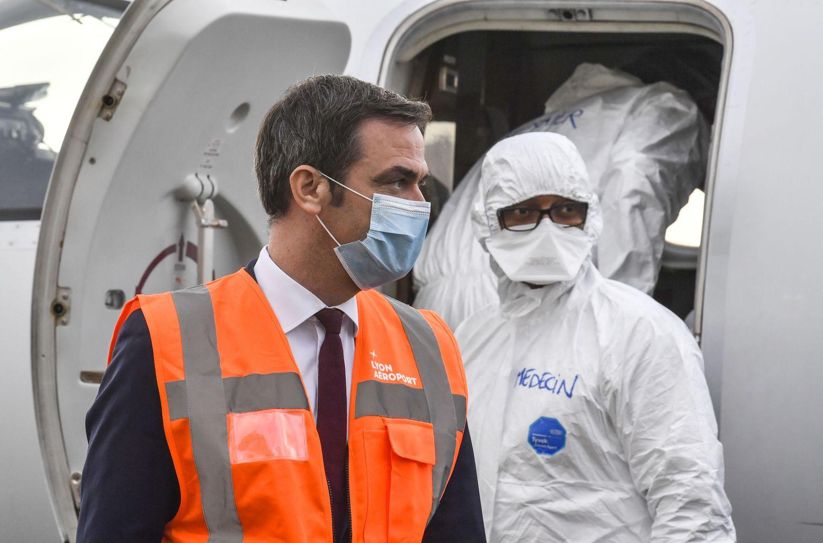 FRANCE-GOVERNMENT-HEALTH-VIRUS-EVACUATION