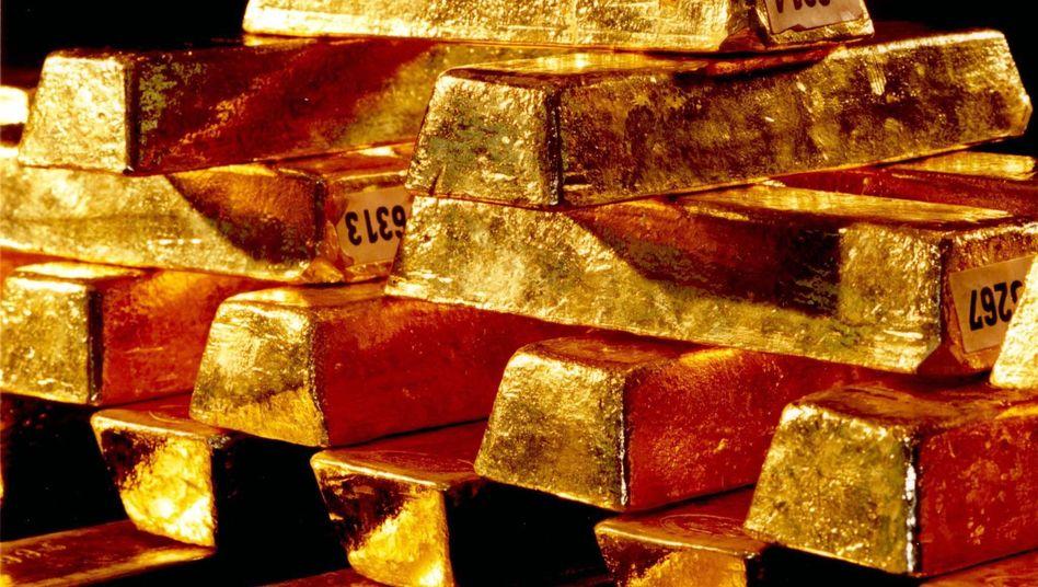 Goldbarren: So ähnlich dürften auch die wertvollen Stücke aussehen, die Künstler Sailstorfer in Großbritannien am Strand vergraben hat