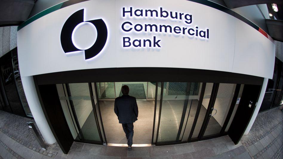 Hamburg Commercial Bank: Für Hamburg und Schleswig Holstein war die Ex HSH Nordbank ein Milliardenbank. Nachdem der Steuerzahler die Pleitebank von allen Lasten befreit hat, hat nun ein US-Investor seine Freude dran