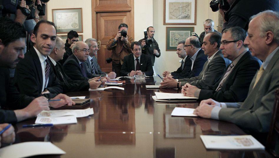 Zyperns politische Elite: Rettung in Sicht