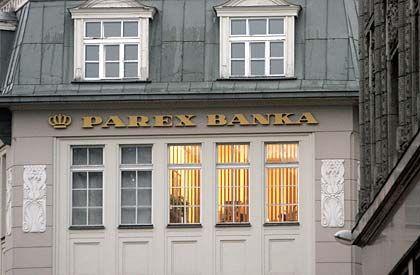Der Letzte löscht das Licht: Bei der Parex-Bank wird lange gearbeitet