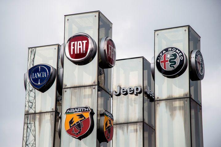... des US-amerikanisch-italienischen Autobauers. Dazu gehören unter auch Lancia, Fiat, und Alfa Romeo. Gelingt die Fusion tatsächlich, kämen unter anderem Peugeot und Opel als weitere Marken hinzu.