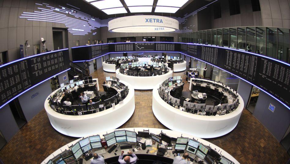 Börsensaal in Frankfurt: Der Dax setzt zum Schlussspurt an