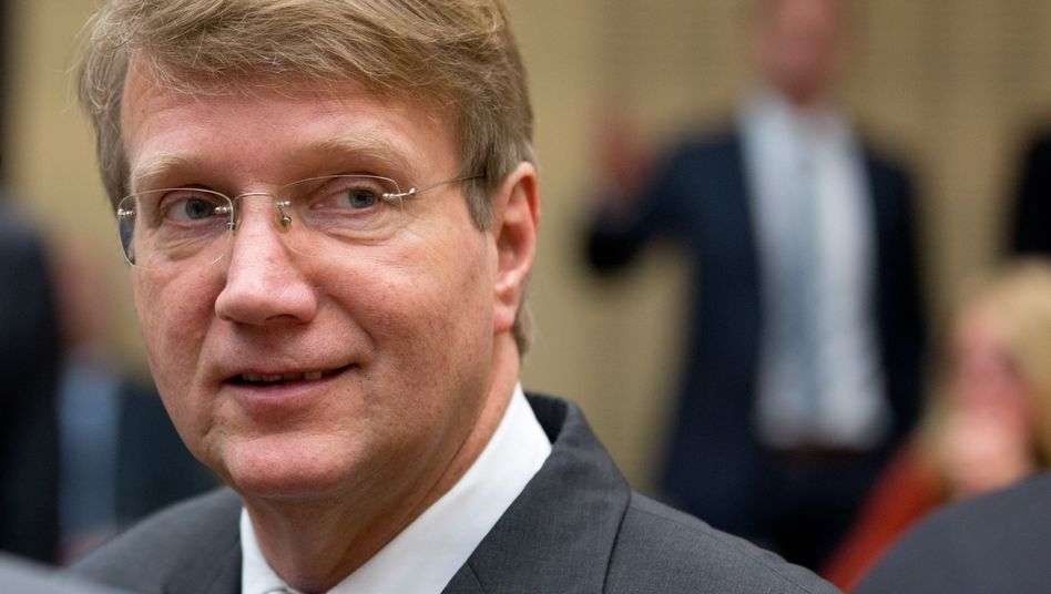 Ronald Pofalla: Glückwunsch an Bahn, Kanzleramt und Pofalla, aber über Posten und Gehalt müssen wir noch mal reden