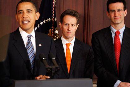 Cash gegen die Krise:US-Präsident Obama (l.) und sein Finanzminister Geithner werfen dem drohenden Absturz in eine ausgedehnte Depression schier unvorstellbare Summen von Geld entgegen