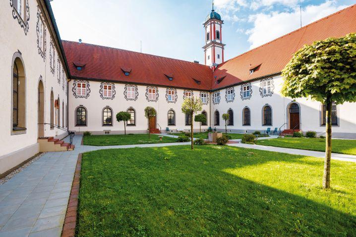 """""""Kuroase im Kloster"""" im bayerischen Bad Wörishofen - hier wird Wellness nach Original Kneipp-Kur angeboten."""