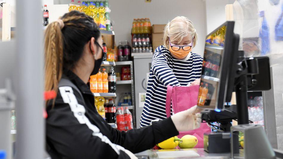 Inflation aus Versehen: Kasse in bayerischem Supermarkt