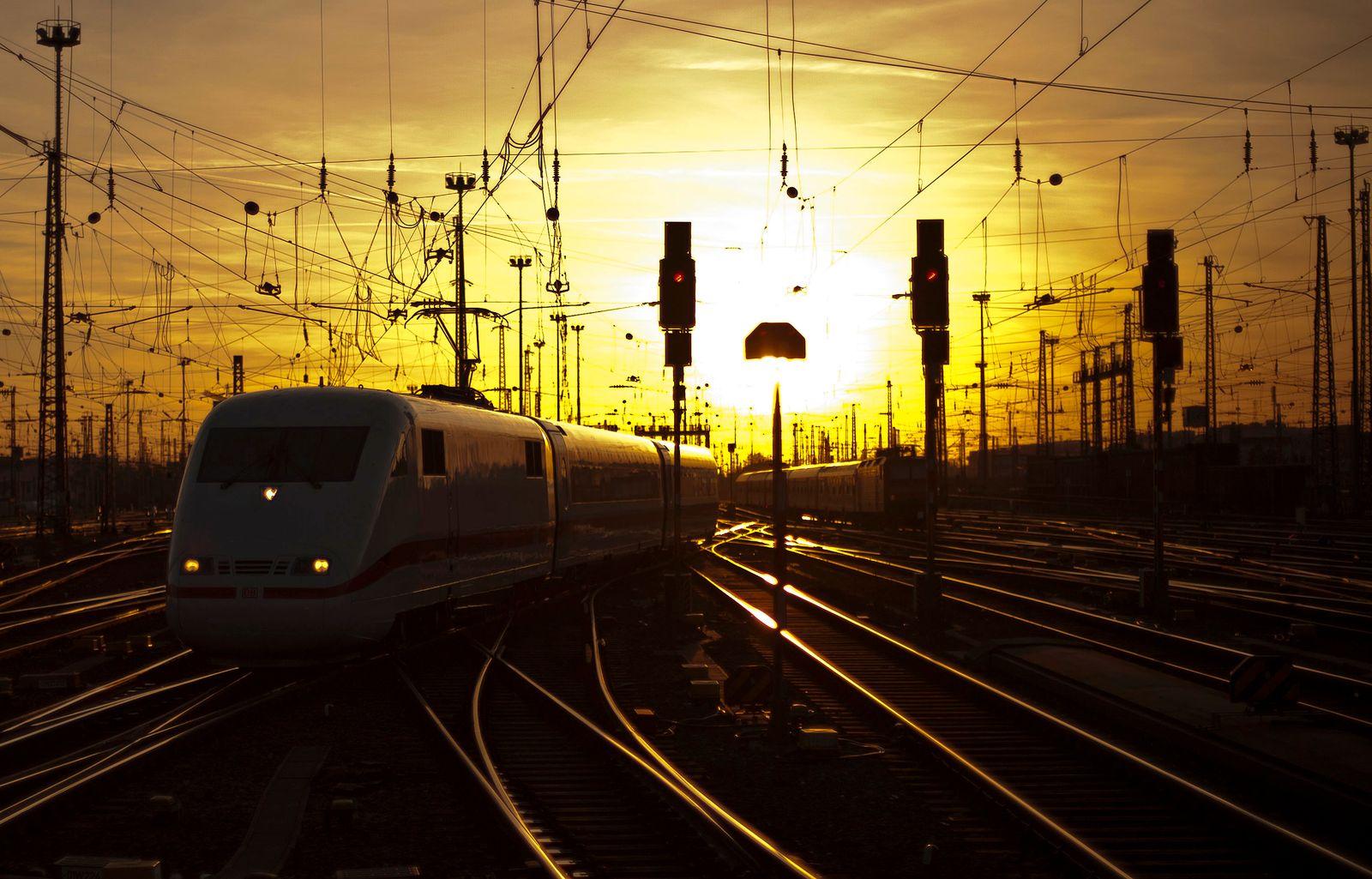 NICHT VERWENDEN Bahn/ Stromnetz