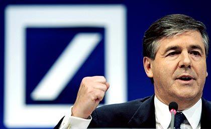 """Josef Ackermann Vorstandsvorsitzender Deutsche Bank Gesamtbezüge 2004: 10,1 Mio. Euro (Dax-Durchschnitt: 3,6 Mio. Euro) Eigenkapitalrendite nach Eigenkapitalkosten: -0,1% (Dax: +3,8%) Wertschöpfung nach Eigenkapitalkosten: -7,5% (Dax: -1,6%) Gesamtbezüge-Platzierung im Stoxx-Vergleich: Rang 6 Gesamtbezüge-Platzierung im Dax-Vergleich: Rang 1 """"Pay for Performance""""-Platzierung im Dax-Vergleich: Rang 26"""