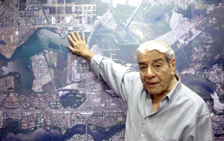 Potenzieller Gewinner: Bauunternehmer Carlos Carvalho fand einen guten Platz für das Olympische Dorf - der ihm gehörte