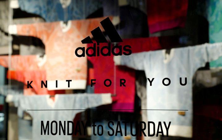 """Adidas zahlt wie viele andere Firmen keine Shopmieten mehr. Bundesjustizministerin Christine Lambrecht findet das """"unanständig"""" und """"nicht akzeptabel"""""""