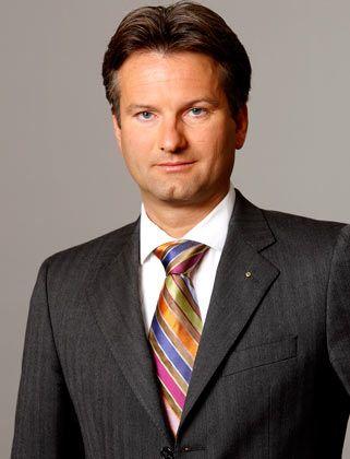 Frank Bollmann ist Managing Director des Finanzberaters Duff & Phelps. Die Firma ist auf die Bewertung von Unternehmen und Finanztransaktionen spezialisiert und betont ihre Unabhängigkeit von Wirtschaftsprüfern, Kredithändlern und Ratingagenturen. Bollmann leitet die Financial Reporting Practice von Duff & Phelps in Deutschland.
