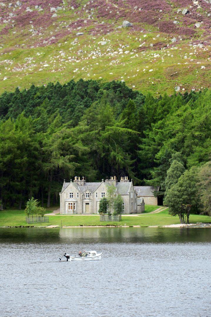 Wochenendhaus einer Königin: Das Anwesen Glas-allt Shiel am Loch Muick wurde im 19. Jahrhundert für Queen Victoria errichtet.